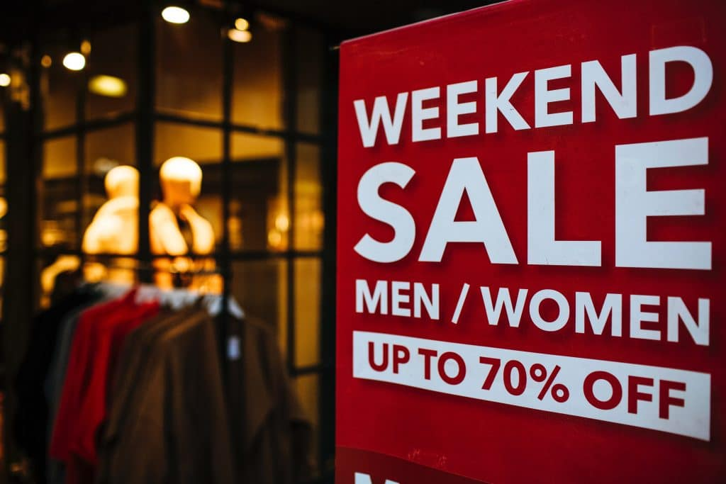 Consumer Spending Statistics - Weekend Sale